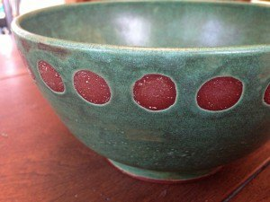 Green bowl w round red 2